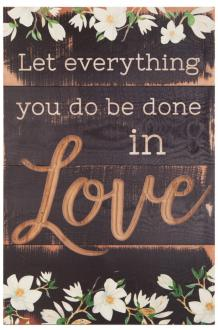 TBFC 0006 Veggdekor med utskjæringer - Let Everything You Do Be Done In Love (61x41 cm)